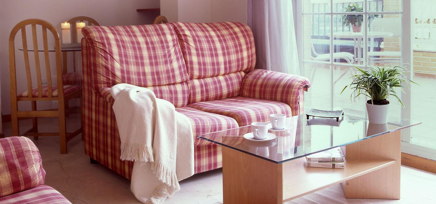 Tico con terraza de alquiler temporal en madrid tetu n for Alquiler muebles madrid