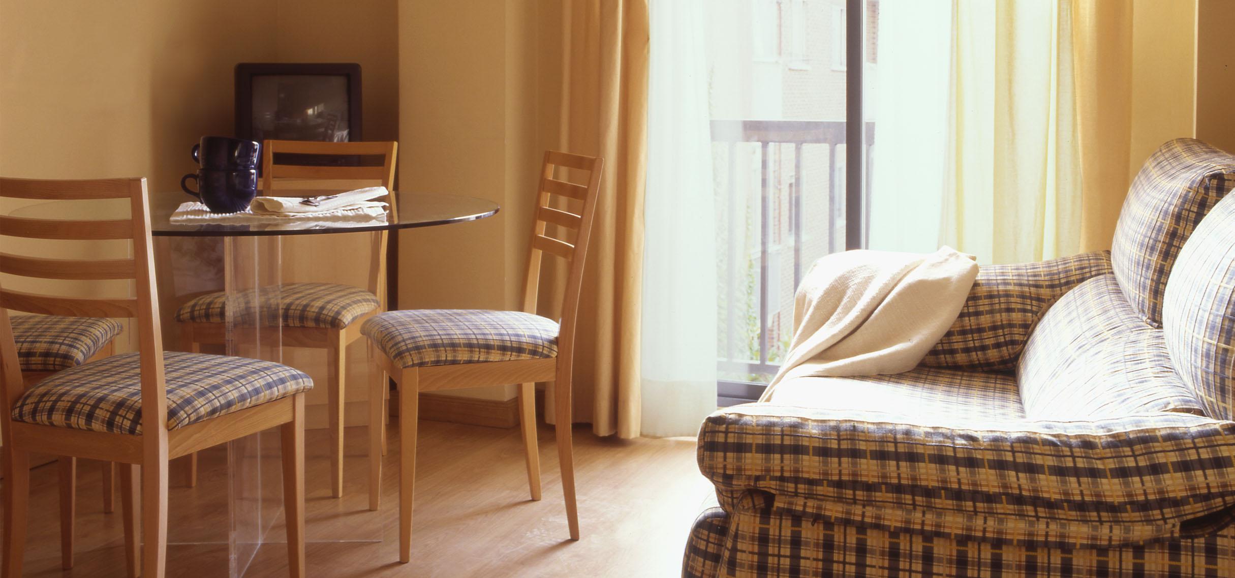 Alquiler apartamentos amueblados en madrid por meses for Pisos alquiler clot baratos