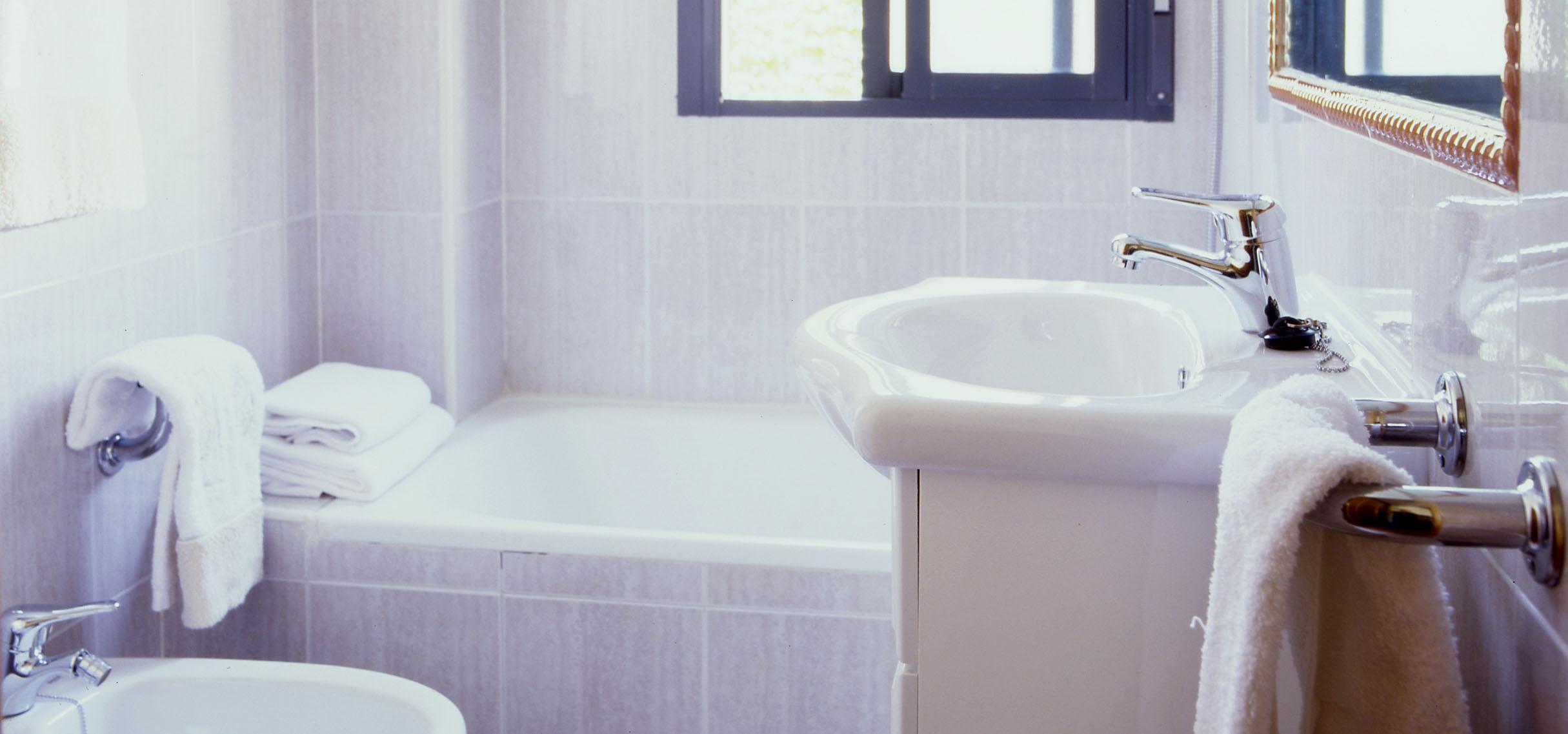 Pisos de alquiler en madrid baratos piso 2 habitaciones for Banos completos baratos